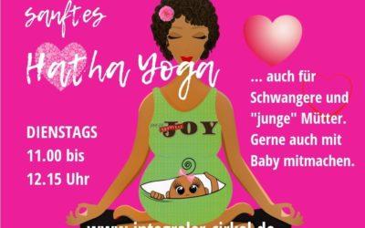 """10.08.21: Dienstags neu – Hatha Yoga – auch für """"junge"""" Mamas"""